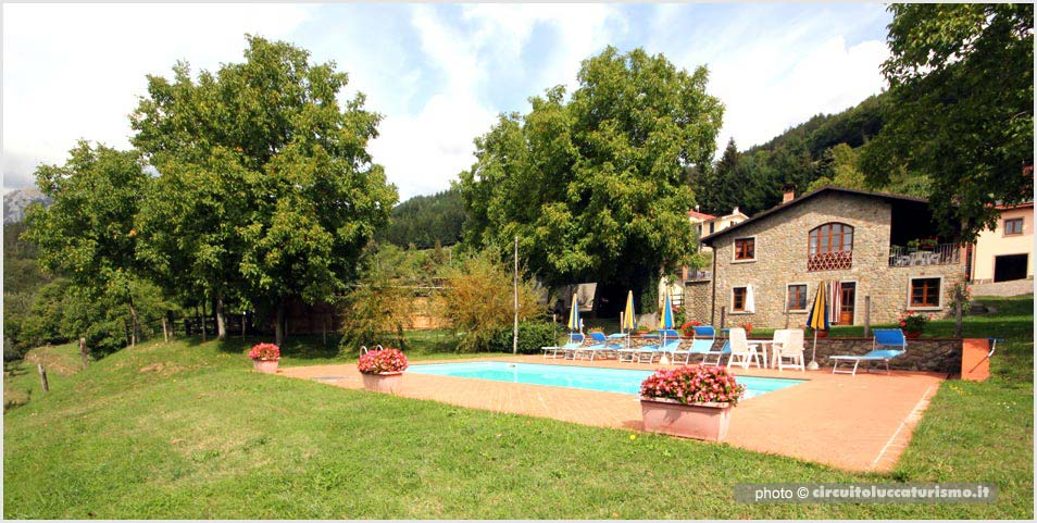 Agriturismo con piscina - Castiglione di Garfagnana