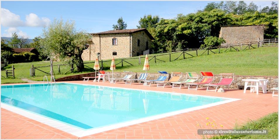 Agriturismo con piscina in Garfagnana.