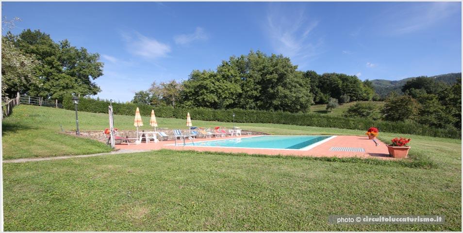 Agriturismo con piscina - Garfagnana